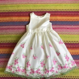 Ivory satiny floral embroiled dress size 6 girls